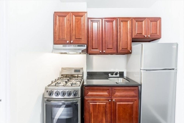 2 Bedrooms, Hell's Kitchen Rental in NYC for $3,275 - Photo 1