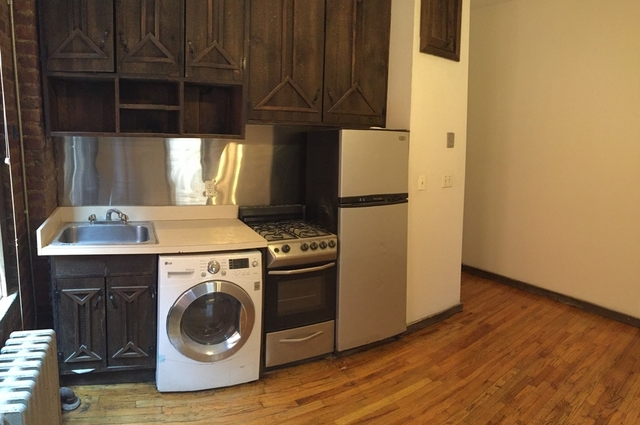 4 Bedrooms, East Village Rental in NYC for $5,395 - Photo 2