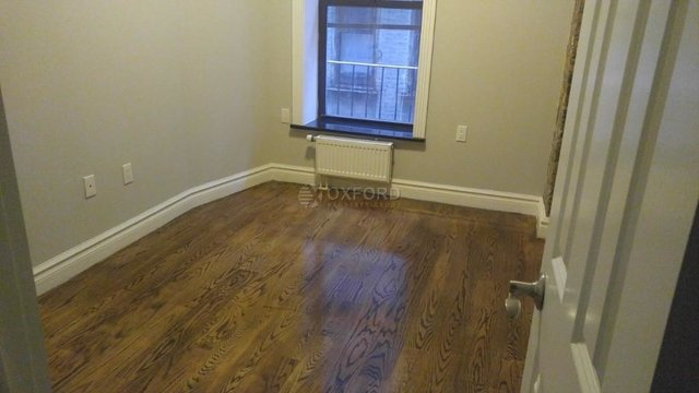 2 Bedrooms, East Village Rental in NYC for $5,039 - Photo 2