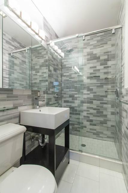 3 Bedrooms, East Village Rental in NYC for $6,229 - Photo 1