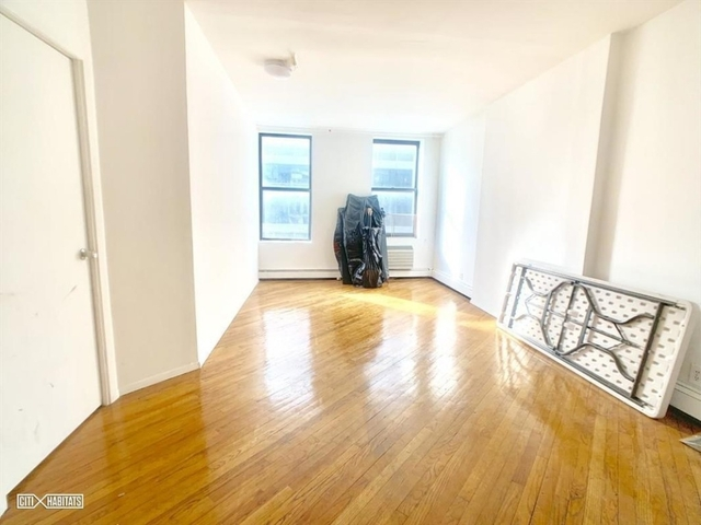 3 Bedrooms, Garment District Rental in NYC for $5,000 - Photo 2