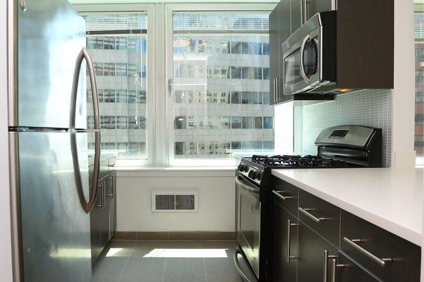 1 Bedroom, Financial District Rental in NYC for $3,415 - Photo 2