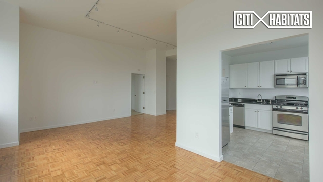 Studio, Lincoln Square Rental in NYC for $3,167 - Photo 2