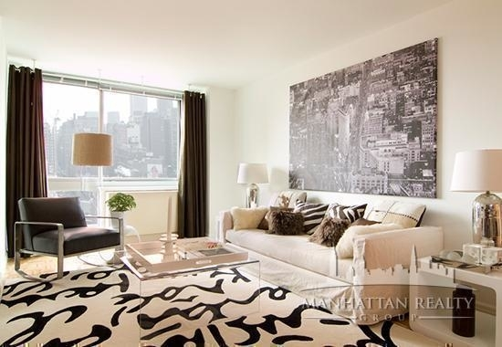 3 Bedrooms, Hell's Kitchen Rental in NYC for $6,100 - Photo 2