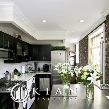 3 Bedrooms, Gramercy Park Rental in NYC for $5,684 - Photo 2
