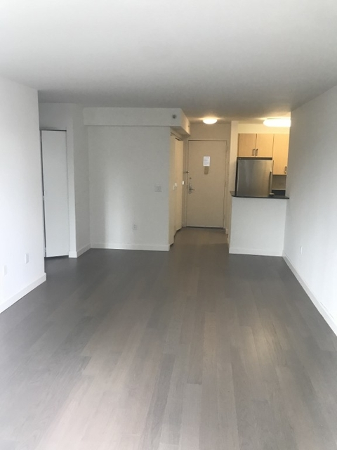 Studio, Hell's Kitchen Rental in NYC for $2,890 - Photo 2
