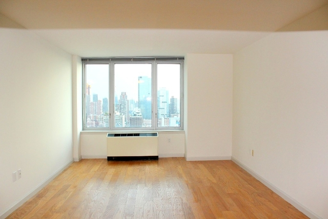2 Bedrooms, Hell's Kitchen Rental in NYC for $4,925 - Photo 1