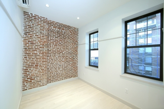 3 Bedrooms, Hell's Kitchen Rental in NYC for $5,050 - Photo 2