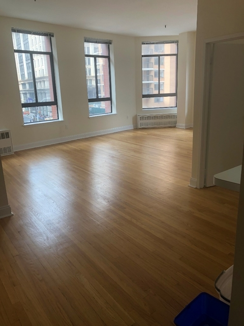 2 Bedrooms, SoHo Rental in NYC for $6,345 - Photo 1
