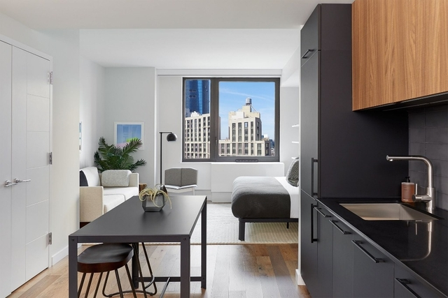 Studio, Hell's Kitchen Rental in NYC for $3,646 - Photo 2