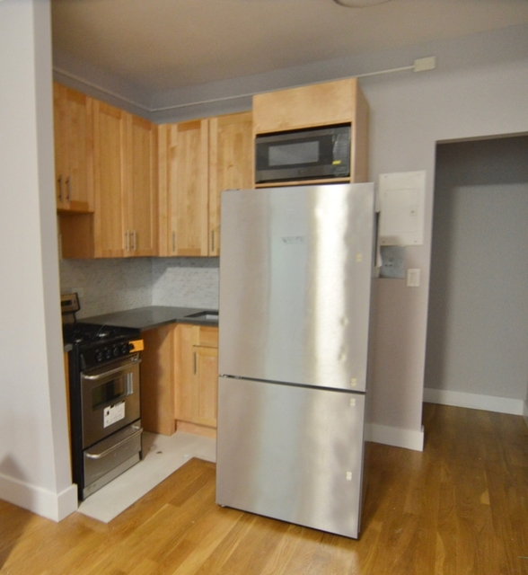 Studio, Sutton Place Rental in NYC for $2,695 - Photo 2