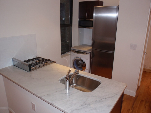 1 Bedroom, Sutton Place Rental in NYC for $2,933 - Photo 1