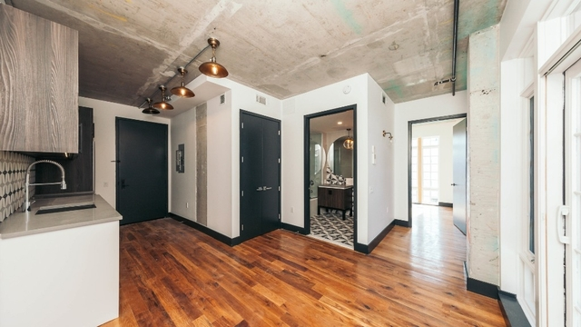 1 Bedroom, Ridgewood Rental in NYC for $2,380 - Photo 2