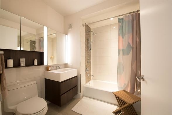 2 Bedrooms, Hell's Kitchen Rental in NYC for $5,990 - Photo 2