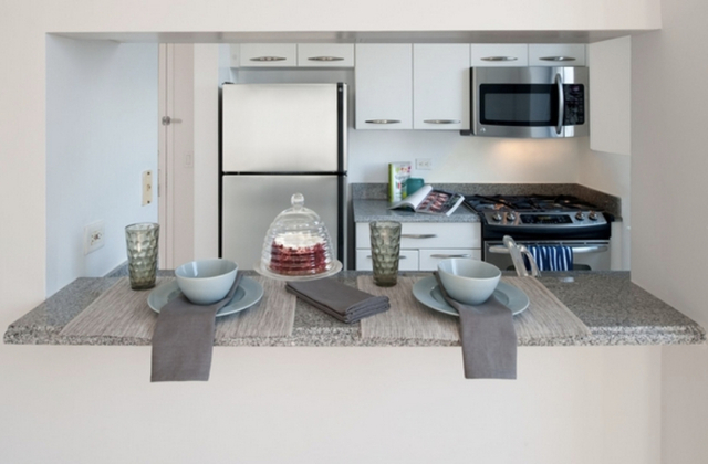 2 Bedrooms, Turtle Bay Rental in NYC for $6,325 - Photo 2