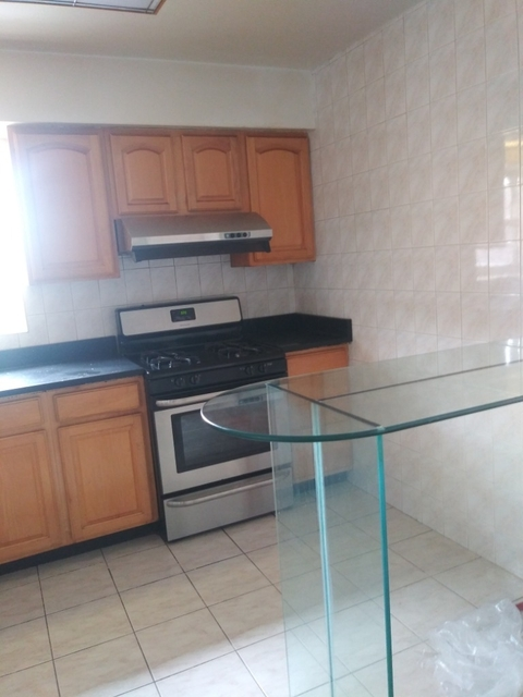 3 Bedrooms, Bay Ridge Rental in NYC for $2,550 - Photo 2
