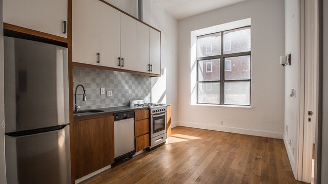 2 Bedrooms, Bushwick Rental in NYC for $2,995 - Photo 1