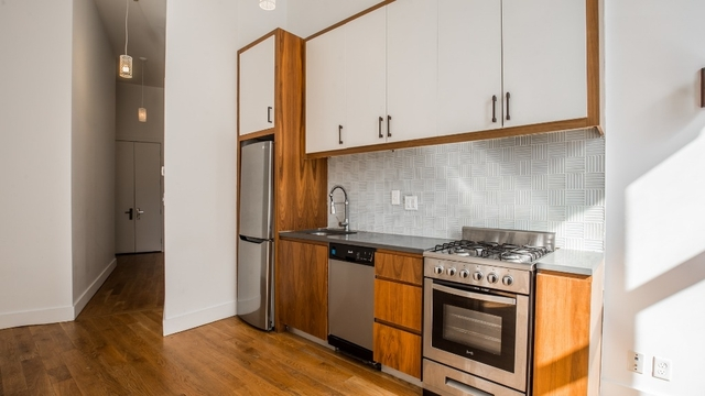 2 Bedrooms, Bushwick Rental in NYC for $2,995 - Photo 2