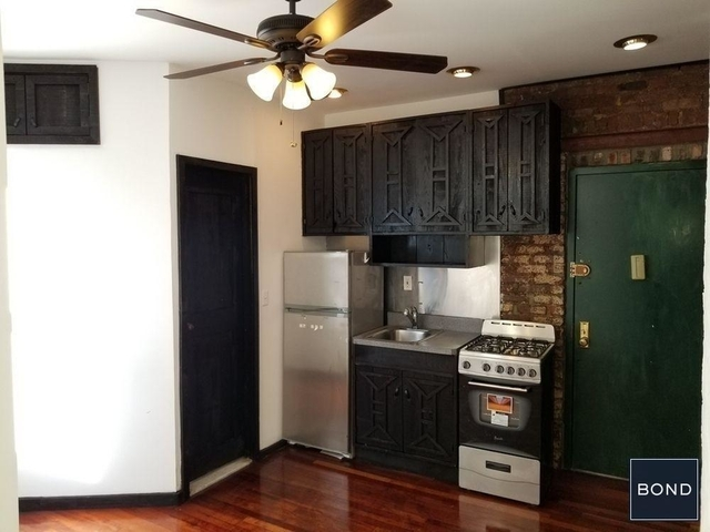 2 Bedrooms, Alphabet City Rental in NYC for $3,300 - Photo 2