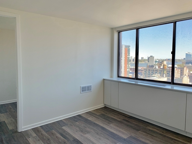 2 Bedrooms, Hell's Kitchen Rental in NYC for $4,215 - Photo 1