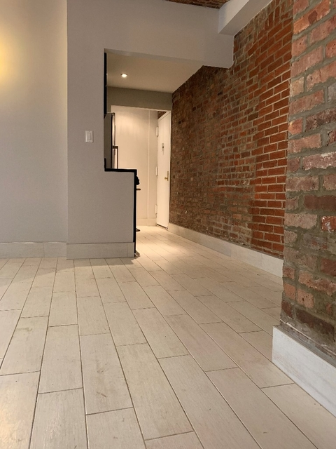 2 Bedrooms, Gramercy Park Rental in NYC for $3,938 - Photo 2