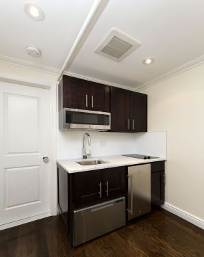 Studio, East Village Rental in NYC for $1,970 - Photo 2