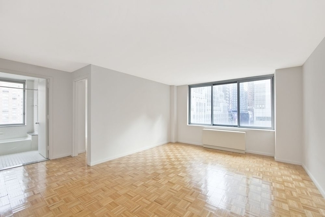 1 Bedroom, Theater District Rental in NYC for $5,200 - Photo 2