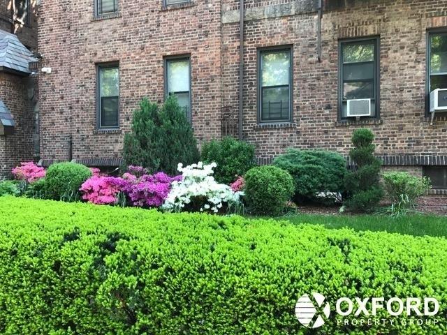 2 Bedrooms, Kew Gardens Rental in NYC for $2,450 - Photo 2