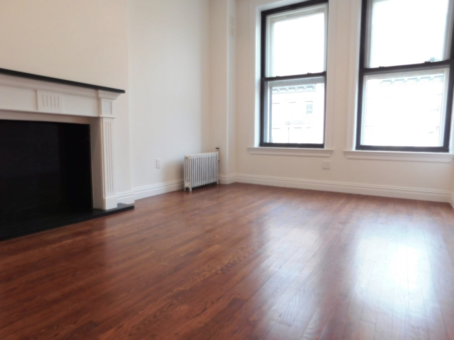 2 Bedrooms, Lincoln Square Rental in NYC for $4,487 - Photo 2