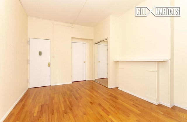 3 Bedrooms, Yorkville Rental in NYC for $2,650 - Photo 2