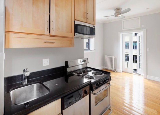 2 Bedrooms, Murray Hill Rental in NYC for $3,296 - Photo 2