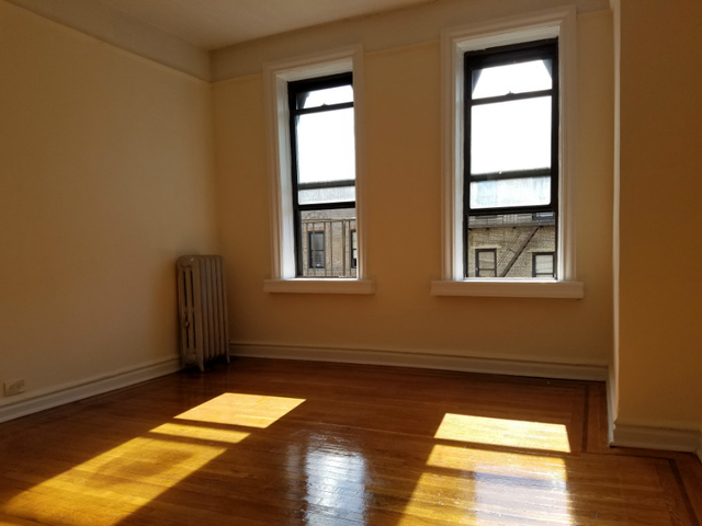 3 Bedrooms, Inwood Rental in NYC for $2,250 - Photo 1