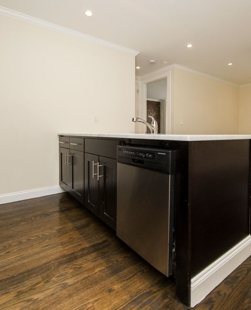 3 Bedrooms, Bowery Rental in NYC for $6,004 - Photo 2