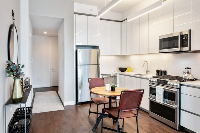 Studio, Hell's Kitchen Rental in NYC for $3,530 - Photo 2