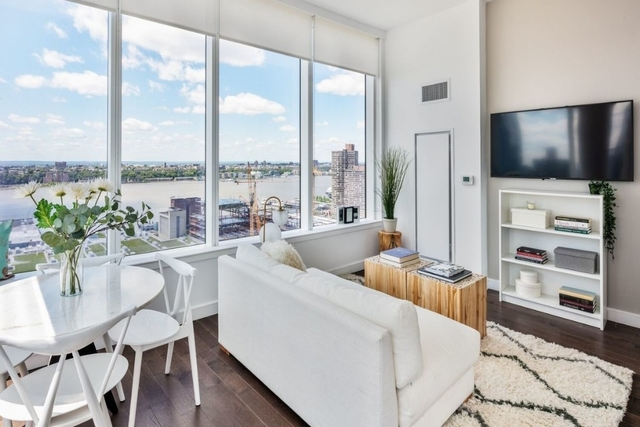 2 Bedrooms, Hell's Kitchen Rental in NYC for $6,950 - Photo 2