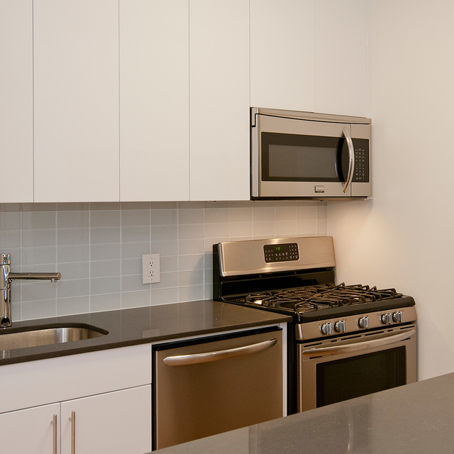 Studio, Financial District Rental in NYC for $2,738 - Photo 2