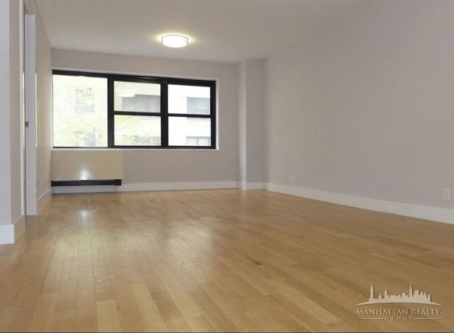 3 Bedrooms, Financial District Rental in NYC for $6,425 - Photo 2