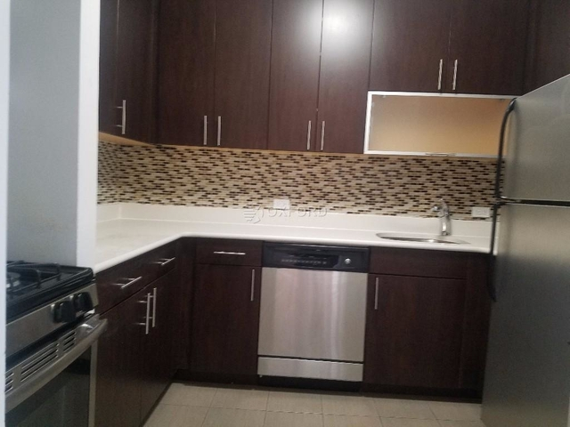 3 Bedrooms, Carnegie Hill Rental in NYC for $6,000 - Photo 1