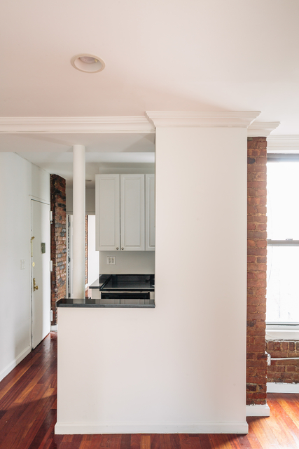3 Bedrooms, West Village Rental in NYC for $6,095 - Photo 2