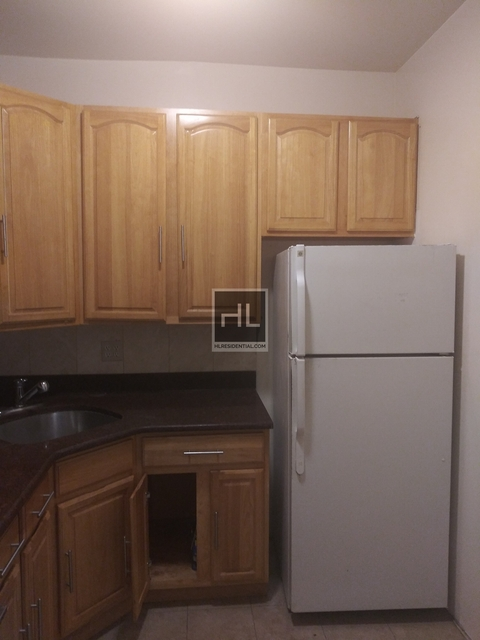 4 Bedrooms, North Corona Rental in NYC for $2,600 - Photo 2