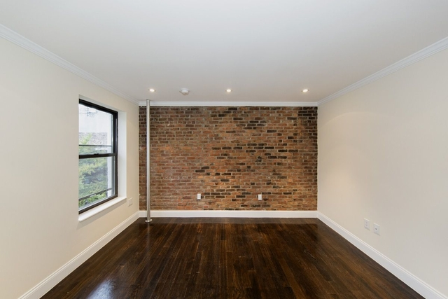 3 Bedrooms, East Village Rental in NYC for $5,683 - Photo 2