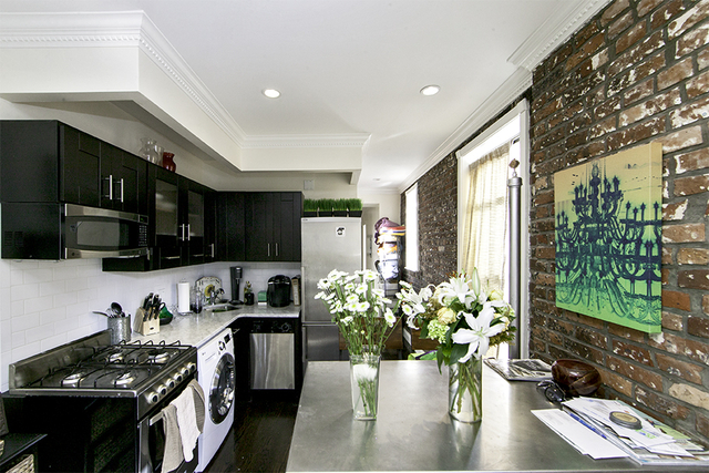 3 Bedrooms, Gramercy Park Rental in NYC for $5,571 - Photo 2