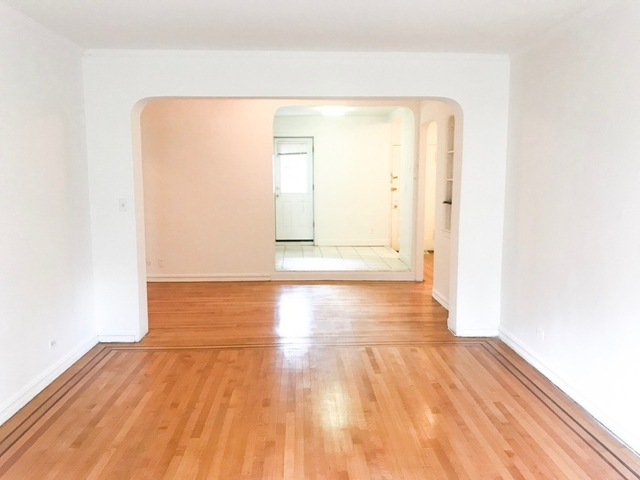 2 Bedrooms, Rego Park Rental in NYC for $3,250 - Photo 2