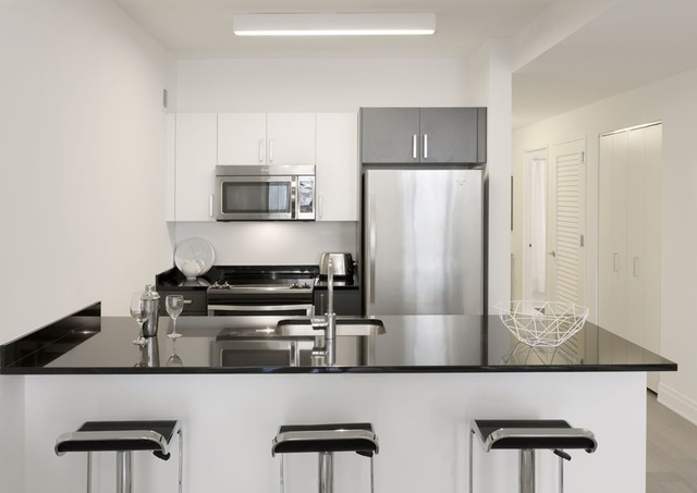 Studio, Financial District Rental in NYC for $3,140 - Photo 1