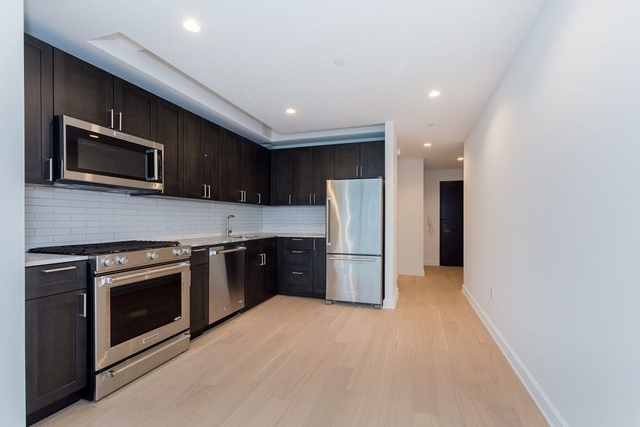 Studio, Lincoln Square Rental in NYC for $3,369 - Photo 2