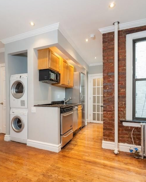 3 Bedrooms, East Village Rental in NYC for $4,763 - Photo 2