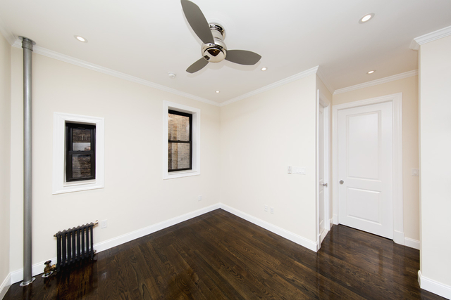 2 Bedrooms, Upper East Side Rental in NYC for $3,529 - Photo 2