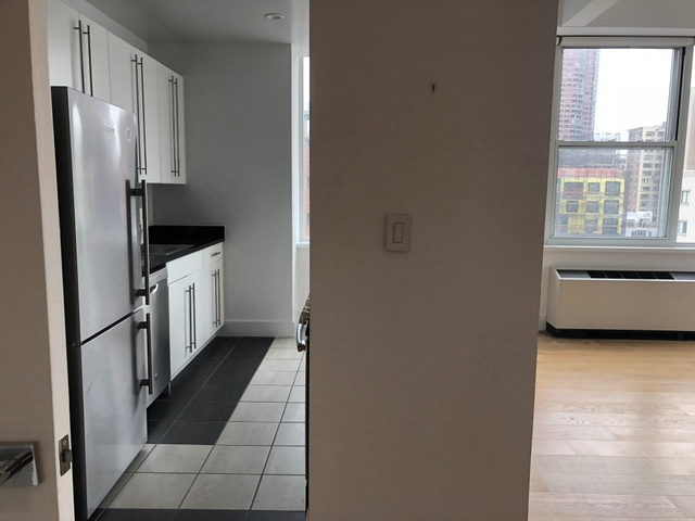 1 Bedroom, Battery Park City Rental in NYC for $3,300 - Photo 2