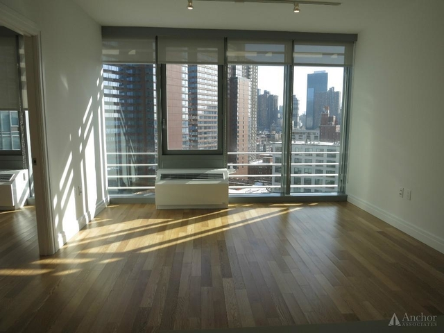 2 Bedrooms, Hell's Kitchen Rental in NYC for $3,750 - Photo 1