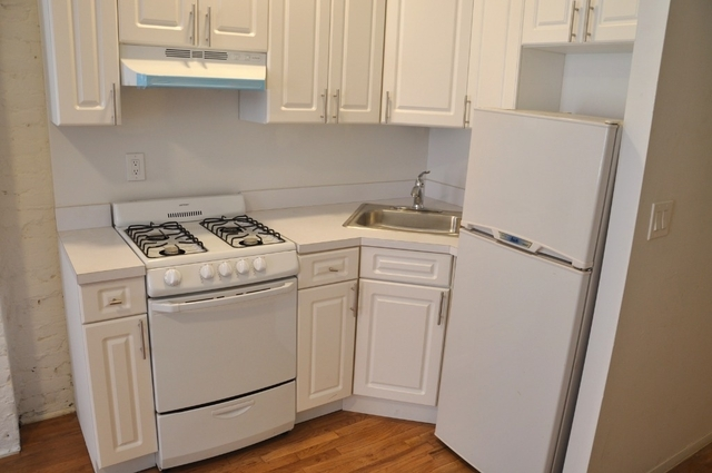 Studio, Hell's Kitchen Rental in NYC for $2,390 - Photo 1
